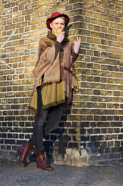 http://substantiellesminimum.de/files/gimgs/120_66-poncho-sconcho-made-from-upcycled-scarfs.jpg