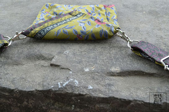 http://substantiellesminimum.de/files/gimgs/124_tietuifrida-belt-bag-made-from-upcycled-tie-1.jpg