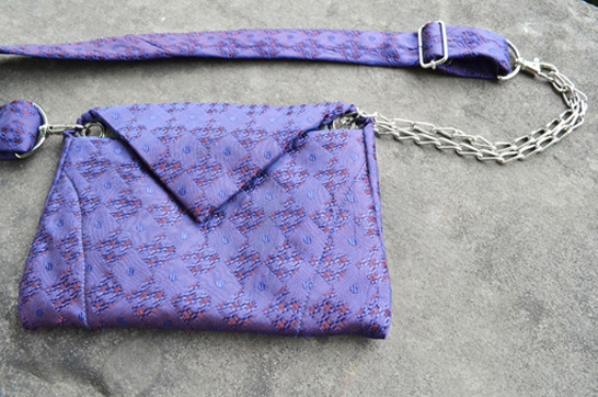 http://substantiellesminimum.de/files/gimgs/124_tietuipurplehazebelt-bag-made-from-vintage-tiesubstantielles-minimum-4.jpg